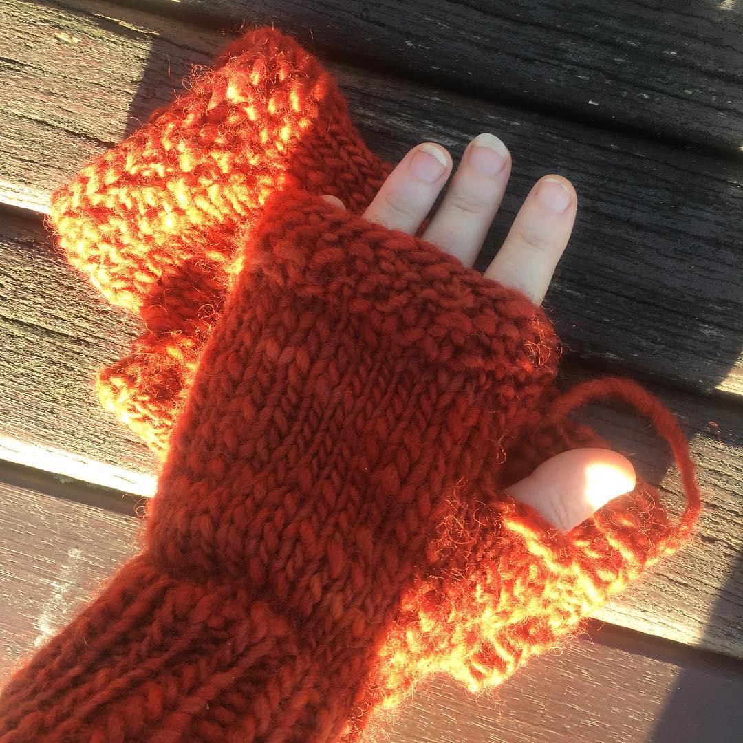 One finished and one to go! Really enjoyed the pattern @aprilfreshknits and they are soooo warm! #triskelionyarn #testknit #wintersunshine